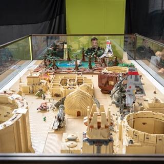LEGO® Store Show - Programok - LEGO® Technic építőasztalok
