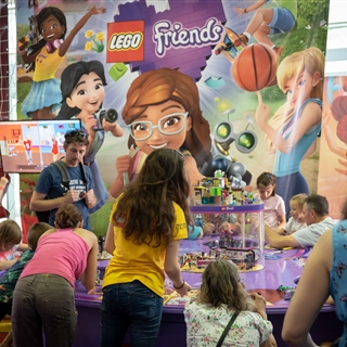 LEGO® Store Show - Programok - LEGO® Friends - Ismerd meg Heartlake City városát!