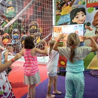 LEGO® Store Show - Programok - LEGO® Friends színpad