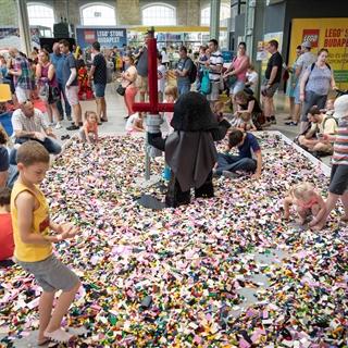LEGO® Store Show - Programok - LEGO® homokozó