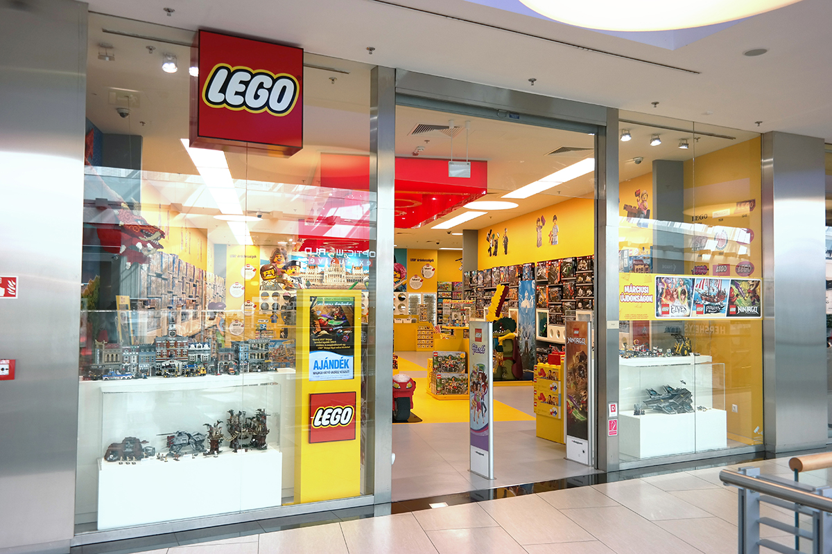 LEGO Store Slovenija, Ljubljana, Slovenia. 12, likes · talking about this. LEGO Store Slovenija. Lego rules See More. August 28, By far the nicest lego store I've been to and I have visited 5 of them in Europe. People working the re are always ready to help and assist and the store 5/5(66).